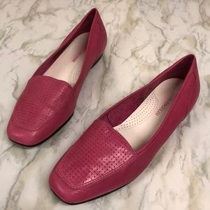 Enzo Angiolini pink leather loafer
